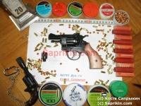 Револьвер стартовый, сигнальный Bruni Olympic-6 с деревянной рукояткой.